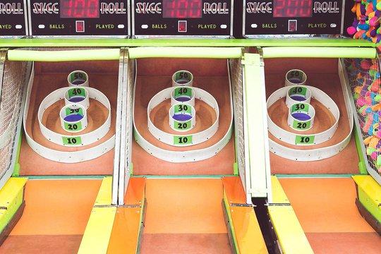 Skee-ball game